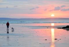 Sainte Anne La Palud (Corinne Lejeune Girot) Tags: soleil sun sunset mer sea plage beach finistère eau water reflet reflection