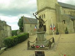 French town war memorial. Creully. (aitch tee) Tags: normandy 75thanniversary ddayanniversarytour 6thjune2019 ianallanaviationtour warmemorial french statue town creully