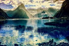 Paisajes del Mundo (Miradortigre) Tags: newzealand nz nuevazelanda milfordsound landscape paisajes mar fiordland sea fiord nature mountain sun sol montañas