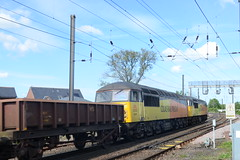 56302 & 56078 at Morpeth (stephen.lewins (1,000 000 UP !)) Tags: class56 56078 56302 peco morpeth northumberland railways ecml grids