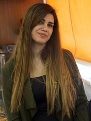 Bellíssima i amable, Nour no dubte en posar, Biblos, Líban. Valgui com homenatge al poble libanès. (heraldeixample) Tags: libanesa lebaneselady heraldeixample líban líbano lebanon biblos byblos dona woman mujer frau femme fenyw bean donna mulher femeie 女人 kadın женщина หญิง boireannach kobieta 铁 maca bella pretty guapa jolie beautiful belle fermosa 美しい女性 frumoasă 美丽的女人 ngc albertdelahoz