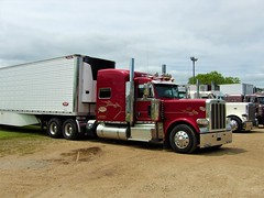 first in line (The WI Diesel Ranch) Tags: peterbilt greatdane carrier refrigeratedvan