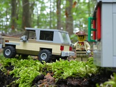 Feeding the Midgets (captain_joe) Tags: sooc toy spielzeug 365toyproject lego minifigure minifig car auto jeep 6wide strangerthings chevrolet k5 75810 wohnwagen bauwagen