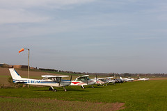 G-BXJM Cessna152 , Kirriemuir (wwshack) Tags: acsflighttraining angus ce152 cessna cessna152 kirriemuir scotland farmstrip gbxjm