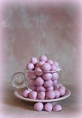 2019 Smile on Saturday: Pink (dominotic) Tags: pink confectionery 2019 smileonsaturday chocolate sydney australia foodphotography yᑌᗰᗰy thinkpink