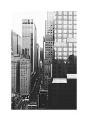 Manhattan view NYC (gerritdevinck) Tags: nyc ny city citytrip cityview cityscape bigcity lovelycity bw monochrome noirshots noiretblanc blackandwhite blackandwhitephotography zwartwit zwartwitfotografie vs usa travel travelphotography travelling urban gerritdevinckfotografie gerritdevinck fujifilm fujifilmseries fujifilmxseries fujifilmbelgium fujifilmphotography fujifillmx100t xseries x100t fujilove filmlove lovegrain filmgrain