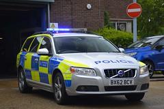 BX62 BCV (S11 AUN) Tags: london metropolitan police volvo v70 d5 anpr interceptor traffic car roads policing unit rpu 999 emergency vehicle metpolice bx62bcv