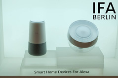 "Die Smart Home Geräte und Sprachassistenten für Alexa, ausgestellt vor weißem Hintergrund, neben dem Text ""IFA BERLIN"" (verchmarco) Tags: ifa aussteller messe küche messeberlin elektronik besucher berlin ces neuheiten visitor mobile technik deutschland 2018 2019 funkausstellung kitchen noperson keineperson graphicdesign grafikdesign contemporary zeitgemäs empty leeren indoors drinnen business geschäft minimalist minimalistisch conceptual konzeptionelle interiordesign innenarchitektur family familie paper papier simplicity einfachheit glazed glasiert retro isolated isoliert plastic kunststoff creativity kreativität bright hell data daten elegant elegant2019 2020 2021 2022 2023 2024 2025 2026 2027 2028 2029 2030"
