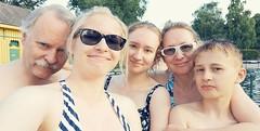 Selfie Bad Fischaus (anuwintschalek) Tags: niederösterreich austria suvi sommer summer june 2019 bypaula selfie telefonipilt badfischau ujumas perepilt perekonnapilt pere perekond family familie schwimmbad freibad thermalbadfischau lapsed anu wanda paula kalle walter