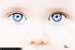 dans ma tête (Mathieu Muller) Tags: portrait shallow dof depthoffield focus flou blur blurry kid child children enfant yeux eyes regard mathieumuller wwwmathieumullercom