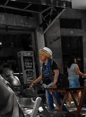 sempre vou (lucia yunes) Tags: streetshot streetscene streetphotographie streetlife streetphoto mobilephotography mobilephoto luciayunes motoz3play cenaurbana cenaderua fotografiaurbana fotografiaderua fotoderua