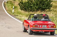 ALFA ROMEO Spider 2000 1976 (Imagonos) Tags: auto car automobile vehicle voiture kabriolett cabriolet convertible topless strasse street blacktop road roadside summer sommer sunshine feeling hitze heat dreamcar italien veloce italy italia alfaromeo sonne rot red rosso spider
