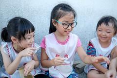 20190620 195/365 (直髮盧女士與捲毛壞脾氣小姐) Tags: 咪比 365 成長紀錄 child children girl kids mibi
