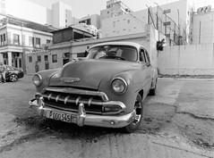 Habana_Foma200_0007 (Olyedro) Tags: kuba cuba oldtimer havanna habana fomapan mamiya 645pro kodak d76