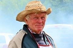 Chapeau de paille (Arnadel) Tags: portrait face visage cuisinier cook fumée smoke bretagne britain lamballe