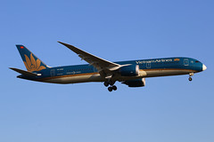 Vietnam Airlines  Boeing 787-9 Dreamliner VN-A862 (M. Oertle) Tags: vietnamairlines boeing 7879 dreamliner vna862
