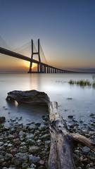 Good Morning Lisbon :) (timexzy123) Tags: bridge expo exposure gama lisboa lisbon long nascer nações parque ponte portugal rio river sol sunrise tajo tejo vasco naáes