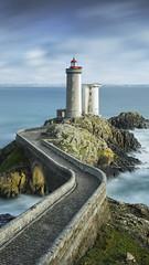 Phare du Petit Minou (timexzy123) Tags: brest bretagne brittany france lighthouse petitminou phare finistère plouzané bridge longexposure path seascape vuurtoren finistëre plouzanè