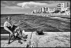 promenade (Lukas_R.) Tags: fuji fujifilm xt30 fujinon xf16mm f28 street people travel sea sun