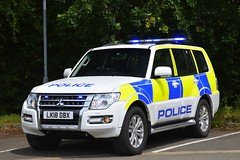 LK18 DBX (S11 AUN) Tags: cambridgeshire cambs constabulary mitsubishi shogun 4x4 rural policing team incident response farm patrol traffic car rpu roads unit 999 emergency vehicle lk18dbx