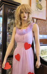 Manuela - Will You Be My Valentine? (hmdavid) Tags: manuela mannequin antiquescolony sanjose valentinesday 2018 february