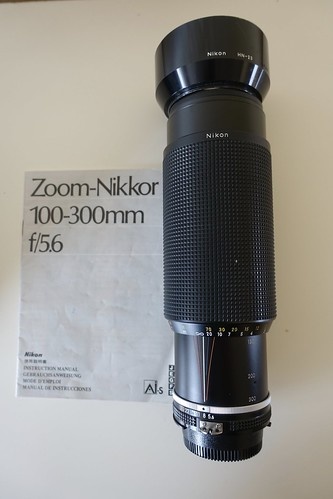Zoom-Nikkor 100-300 f/5.6