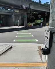 New community initiated bicycle crossing (Seattle Department of Transportation) Tags: seattle sdot transportation donghochang bike signal avalon way crossing green