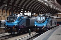 68024 and 68032 at York (Tom 43299) Tags: train yorkrailwaystation york class68 68032 68024 tpe transpennineexpress