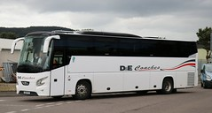 D&E Coaches, Inverness S20 YST in Longman Industrial Estate. (Gobbiner) Tags: decoaches vdl s20yst inverness futura