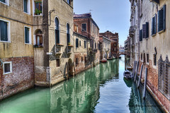 Rio del Greci (Jan Kranendonk) Tags: venice venetian italy italian europe european buildings city town architecture travel water canal narrow small little houses home boats venezia old historical stone sunny summer balconies back plants hdr