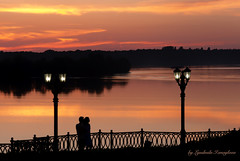 Sunset in Uglich June 10, 2019 (Lyutik966) Tags: sunset uglich embankment river volga water light reflection sky people silhouette russia exquisitesunsets flickrsbest