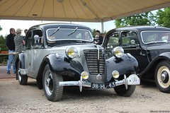 Citroën Traction Avant 11BL 1952 (98-HL-43) with grille Emile Tonneline (MilanWH) Tags: citroën traction avant 11bl 1952 11cv sport 98hl43 emile tonneline et grille ornament mascotte jetfighter