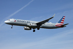N137AA Airbus A321-231 cn 6647 American Airlines Los Angeles 23Feb19 (kerrydavidtaylor) Tags: lax klax california losangelesinternationalairport a321 a321200