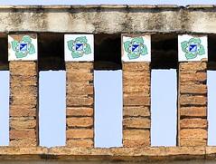 El Papiol - Rambla Catalunya 11 c (Arnim Schulz) Tags: modernisme barcelona artnouveau stilefloreale jugendstil cataluña catalunya catalonia katalonien arquitectura architecture architektur spanien spain espagne españa espanya belleepoque art kunst arte modernismo building gebäude edificio bâtiment faïence carreau glazed tile baldosa azulejos kacheln mosaïque mosaic mosaik mosaico baukunst tiles gaudí pattern deco liberty textur texture muster textura decoración dekoration deko ornament ornamento