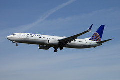 N62895 Boeing 737-900/ER cn 62769 ln 6105 United Airlines Los Angeles 23Feb19 (kerrydavidtaylor) Tags: lax klax losangelesinternationalairport california boeing737 boeing737900