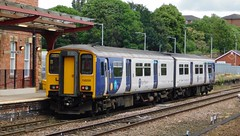 Departing Kirkgate (The Walsall Spotter) Tags: northernrail wakefield kirkgate railway station class1502 sprinter dmu 150225