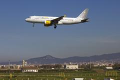 EC-KDT | Vueling Airlines | Airbus A320-216 | CN 3145 | Built 2007 | BCN/LEBL 29/03/2017 (Mick Planespotter) Tags: aircraft airport 2017 a320 elprat nik sharpenerpro3 eckdt vueling airlines airbus a320216 3145 2007 bcn lebl 29032017 clickair oelvs level