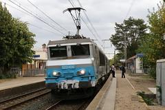 2015-09-12, SNCF, La Valbonne (Fototak) Tags: eisenbahn treno railway train ter sncf france bb22200 22400