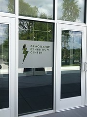 Graceland (LSI_Graphics) Tags: graceland gracelandexhibitioncenter elvis glass etched windowgraphics