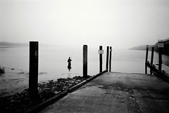 R1-028-12A (David Swift Photography) Tags: davidswiftphotography newjersey oceancitynj corsonsinlet fishing fisherman water inlet boatramp 35mm fog olympusstylusepic ilfordxp2