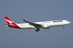 Qantas Airbus A330-303 VH-QPB (EK056) Tags: qantas airbus a330303 vhqpb bangkok suvarnabhumi airport