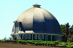 T.A. Leonard (Round) Barn (gingersnaps509) Tags: green barn washington historic pullman round wa exterior