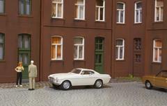 The Blood Hound (Stig Baumeyer) Tags: modellbil modellauto modelcar diorama h0skala h0scale h0 scalah0 scala187 187 echelleh0 echelle187 volvo p1800 volvop1800 herpa herpa187 herpah0