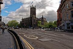 Edinburgh /  St. Johns Church / Princes Street (Pantchoa) Tags: édimbourg ecosse princesst rue stjohnschurch église saintjean nuages ciel perspective architecture