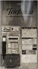 CFR7474 Cabina telefónica (Carlos F1) Tags: nikon d300 principadodeasturias asturias turismo turista tourism sightseeing cudillero city village town ciudad pueblo telefono telephone phone phonebox cabinatelefonica comunicaciones comunication spain telefónica old viejo antiguo monedas coins