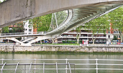 Strukturen / Structures (schreibtnix on'n off) Tags: bridge travelling spain reisen europa europe structures bilbao brücke spanien strukturen olympuse5 schreibtnix architecture santiagocalatrava architektue zubizuribridge zubizuribrücke