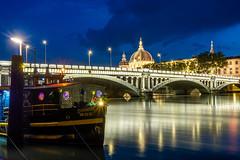 Pont Wilson, Lyon (Laetitia.p_lyon) Tags: fujifilmxt2 lyon nuit night rhône grandhôteldieu bateau boat péniche pont bridge pontwilson