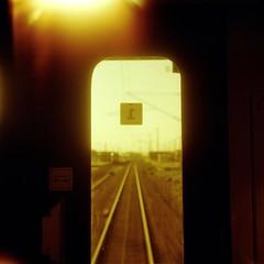 Travelling (ucn) Tags: weltaweltax tessar75mmf35 lomographyxr50200 redscale lightleak