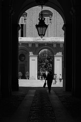 Archway into the Royal Palace, Turin (John of Witney) Tags: arch silhouette monochrome blackandwhite royalpalace palazzoreale turin torino italy italia lacittàmetropolitanaditorinovistadavoi