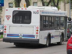 Winnipeg Transit 923 (TheTransitCamera) Tags: wt923 winnipegtransit d30lf newflyerindustries nfi transit transportation transport travel citybus winnipeg mb manitoba downtown